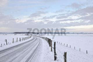 frühmorgens... Bislicher Insel *Nordrhein-Westfalen*, Naturschutzgebiet mit umliegenden Wiesen und Weiden