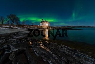 Lofoten Gimsoya Kirche Polarlicht
