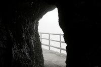 Ausblick aus Höhle