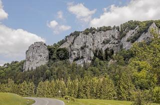 Zuckerhut-Felsen im Donautal bei Beuron