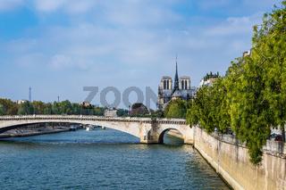 Blick über die Seine in Paris, Frankreich