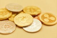 Viele Münzen von Kryptowährungen wie Bitcoin