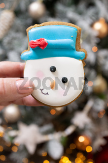 Snowman gingerbread cookie