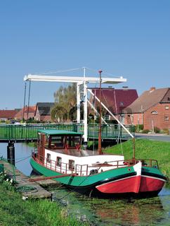 Fehnkanal in Ostfriesland bei Wiesmoor,Niedersachsen,Deutschland