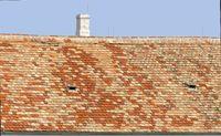 Dach mit Tonziegeln