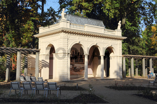 Der Musikpavillon im Bürgerpark Pankow in Berlin im Herbst