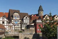 Stadtansicht mit Fachwerk und der Fulda in Hann. Münden