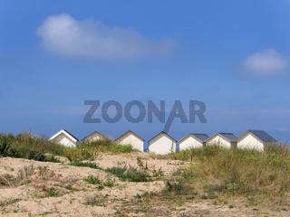 Strandhütten am Strand von Ouistreham
