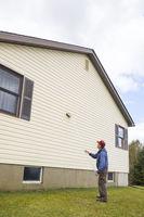 Homeowner washinghouse vinyl siding