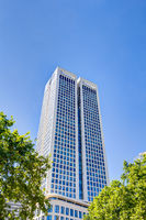 Moderner Wolkenkratzer in Frankfurt am Main, Deutschland
