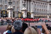 Wachablösung am Buckingham Palace - London
