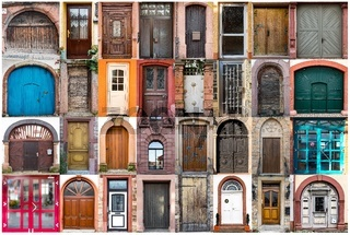 Collage aus europäischen Türen unterschiedlicher größe aus verschiedenen zeitaltern