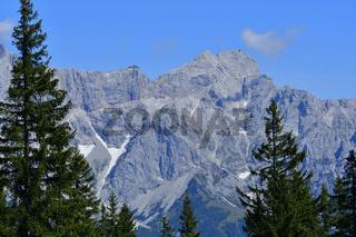Blick vom Rossbrand auf das Dachsteingebirge