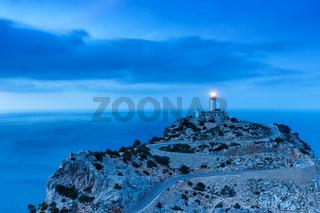 Mallorca Cap Formentor Abend Nacht Leuchtturm Meer Textfreiraum Copyspace Reise Reisen Spanien