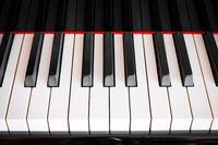 piano kayboard frontal view, straight keyboard -