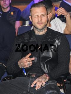 Rapper Kontra K bei der Boxgala SES-Boxing am 02.03.2019 in Magdeburg