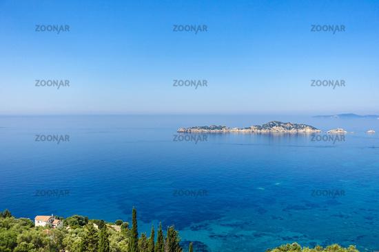 Aussicht von Afionas auf die Dracheninsel, Korfu, Griechenland