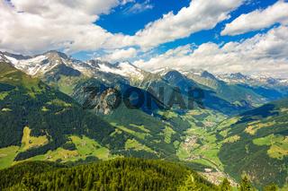 Blick vom Speikboden ins Ahrntal, Südtirol, Italien