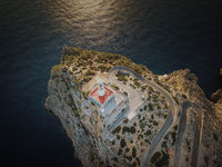 Der Leuchtturm von Cap Formentor im Nordosten von Mallorca