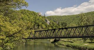 Eisenbahnbrücke im Donautal bei Beuron