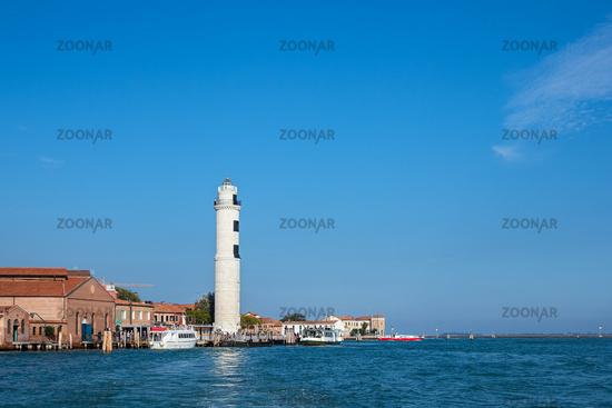 Leuchtturm auf der Insel Murano bei Venedig in Italien