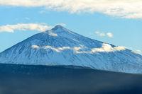 Schneebedeckter Vulkan El Teide - Teneriffa