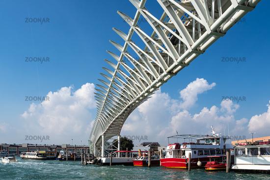 Brücke des People Mover in Venedig, Italien