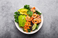 Salad with shrimps and avocado
