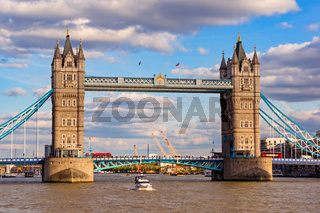 Tower Bridge 01