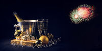 New Year's motives - clock, glasses and confetti