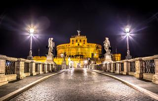 Rome by night - Sant'angelo Castle bridge