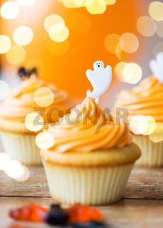 cupcake with halloween decoration