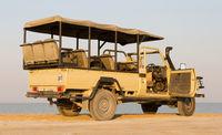 Game drive vehicle