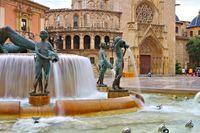 Valencia, der Turia-Brunnen und die Kathedrale in Spanien - Valencia, the Turia fountain and cathedral in Spain