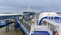 Autoverladung am Fährhafen Mukran bei Sassnitz