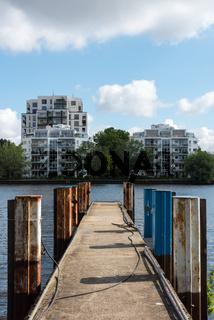 Numerous new buildings along the Spree in Berlin