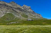 Alp Anzeindaz mit Berggasthaus Refuge Giacomini Anzeindaz,Anzeinde, Bex, Waadt, Schweiz