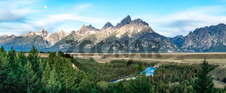 grand teton mountains at snake river overlook