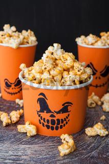 Salziges Popcorn zu Halloween