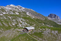Geltenhütte, hinten Mutthore, Lauenen, Berner Oberland, Schweiz