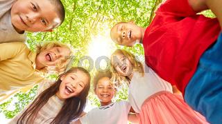 Internationale multikulturelle Gruppe Kinder