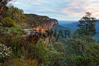 Wentworth Falls cliff views