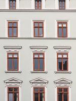 Nahaufnahme eines historischen Gebäudes in der Altstadt von Görlitz, Sachsen, Deutschland