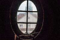 Blick aus dem Turmfenster in der Jugendstilanlage Sprudelhof