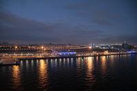 Hafen St. Petersburg bei Nacht