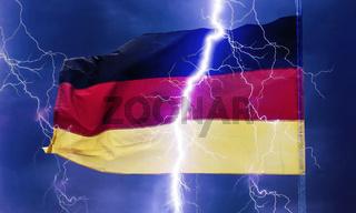 Deutsche Flagge im Gewitter