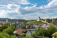 Stadtbild von Schaffhausen mit der Festung Munot