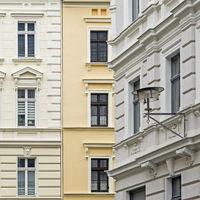 Fassaden historischer Häuser in der Altstadt von Görlitz, Deutschland