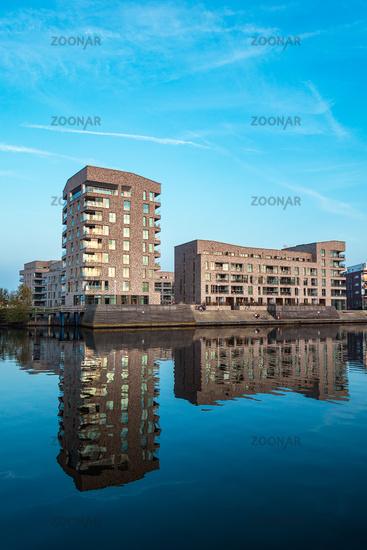 Blick auf die Holzhalbinsel in Rostock