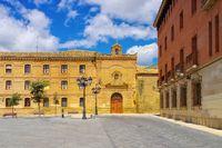 Huesca Plaza de la Universidad in Aragonien, Spanien -  Huesca Plaza de la Universidad, Aragon in Spain